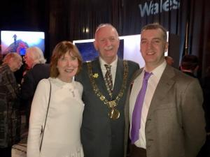 Draig Werdd committee members Anne Buttimore and Andrew Thomas with the Lord Mayor of Dublin, Nial Ring